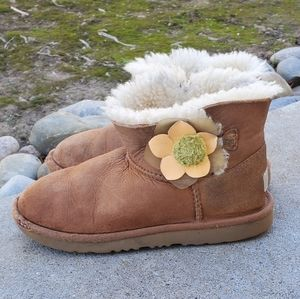 UGG Bailey Flower Boots